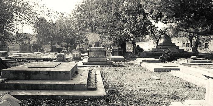 """Image result for लोथियन कब्रिस्तान - कश्मीरी गेट, दिल्ली"""""""