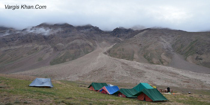 camping-sites-at-chandrataal