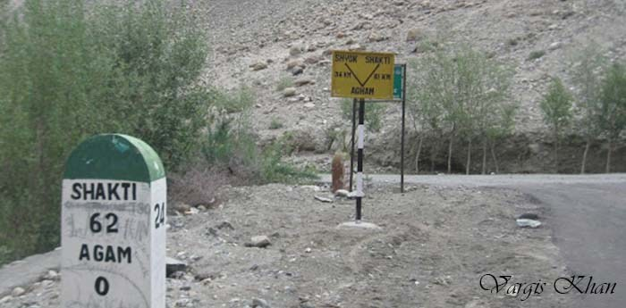 nubra-to-pangong-via-agham-shyok-road-2