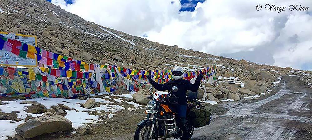 Nubra Valley to Pangong Tso via wari la