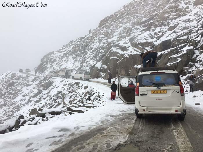 snowfall in ladakh in september