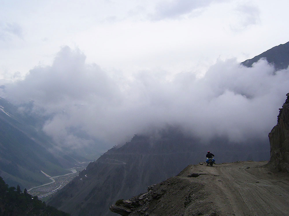 srinagar leh on a bike