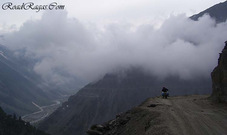 best time to travel from srinagar to leh by road