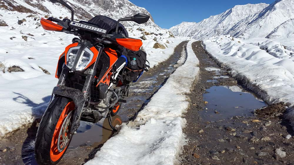 How to Travel from Srinagar to Leh Ladakh by Road