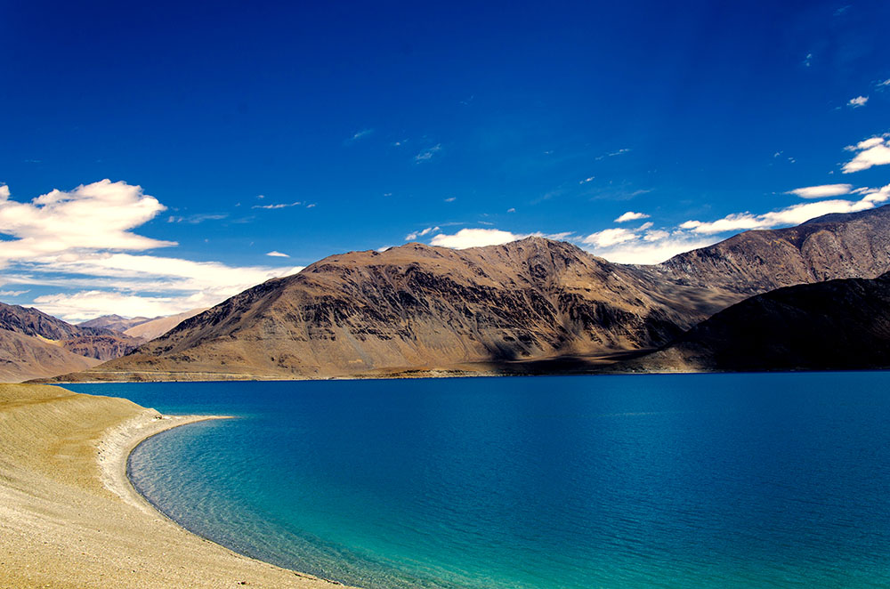 Nubra Valley to Pangong Lake Route Guide