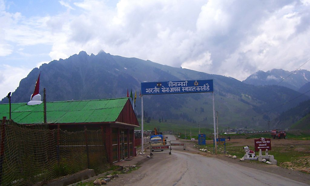 hotels on srinagar leh highway