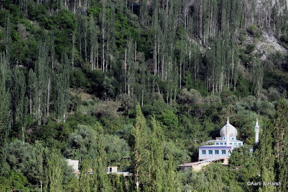 mosque between dras and kargil