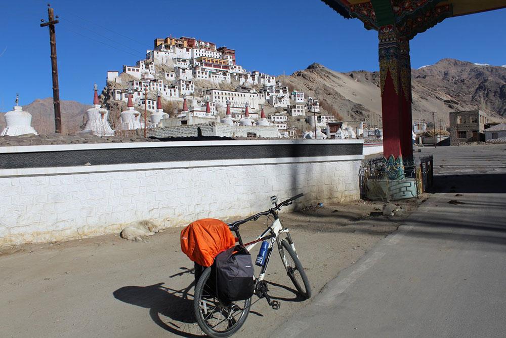 Leh to Khardungla Cycling