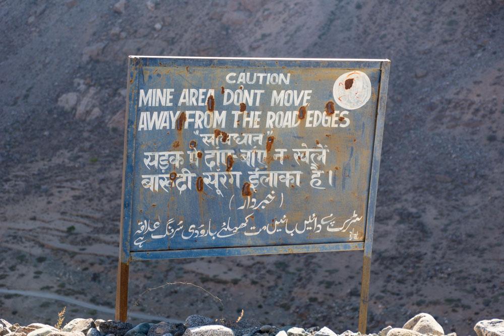 Srinagar to Leh Highway