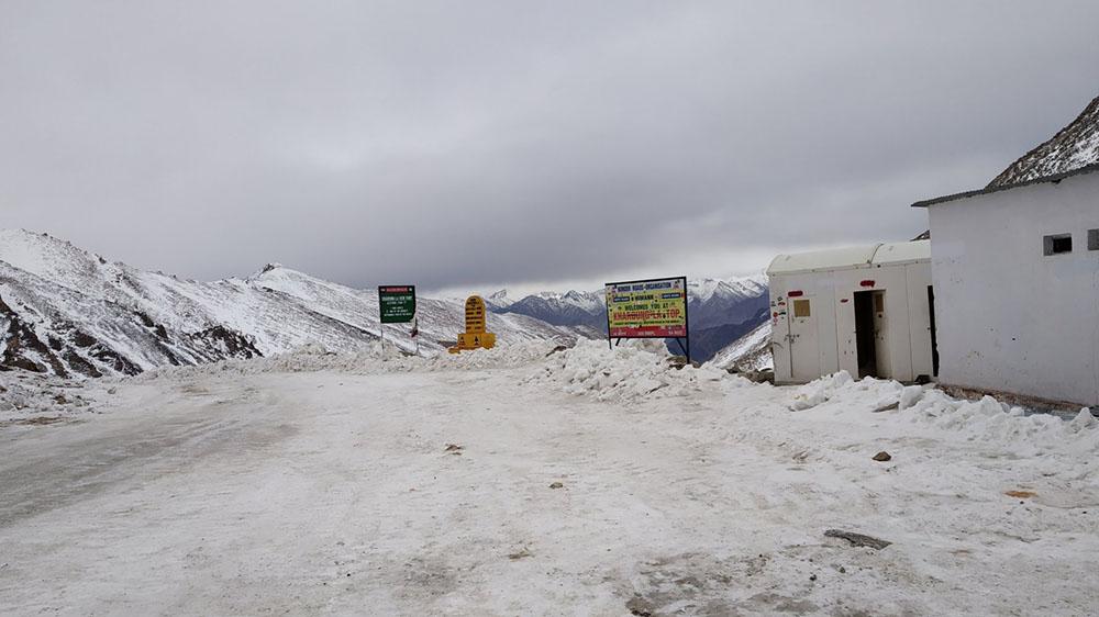 snowfall in ladakh in november