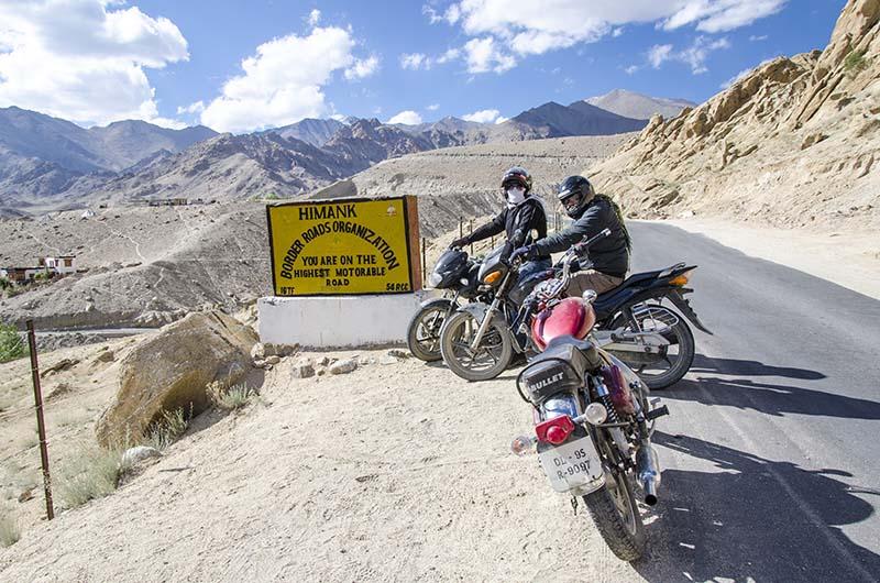 Leh to Khardung La by Bike