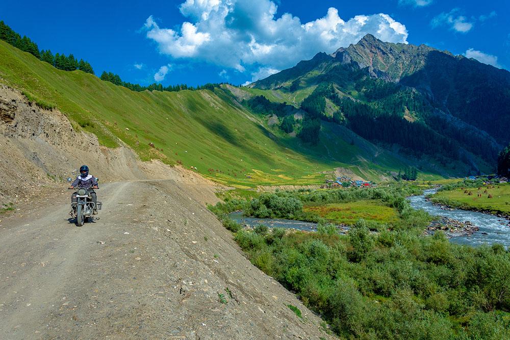 Srinagar Bike Rental Rates