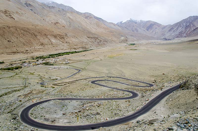 amazing road in ladakh