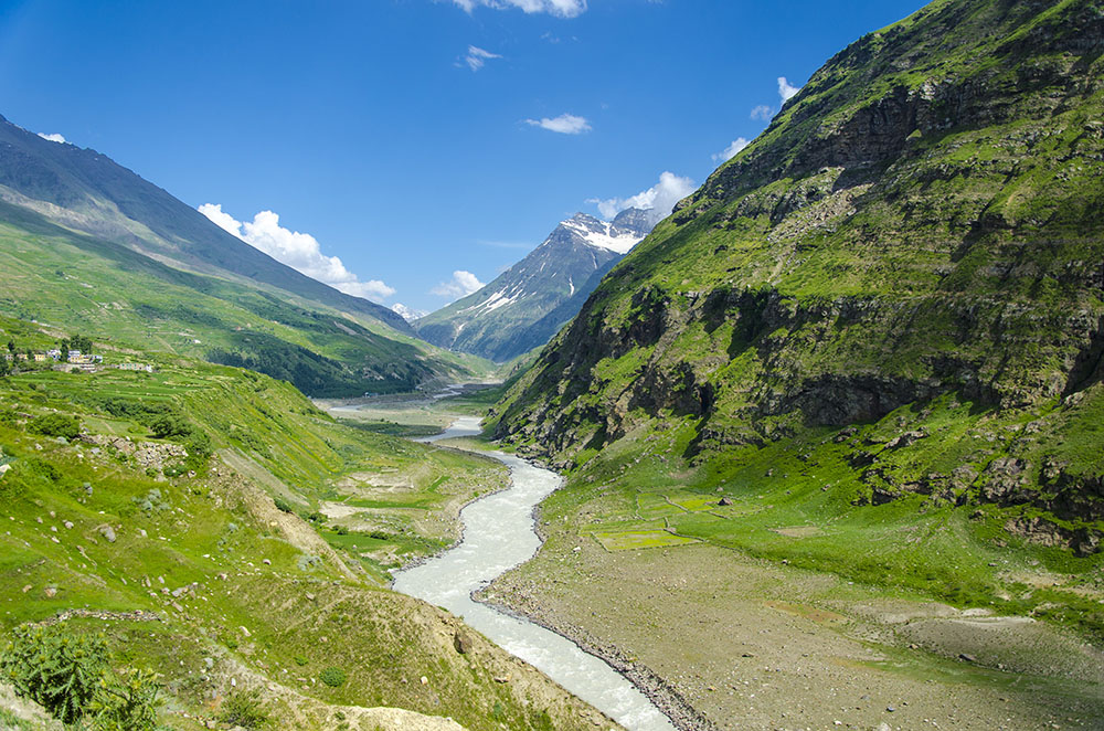 Tourist Places on Manali Leh Highway