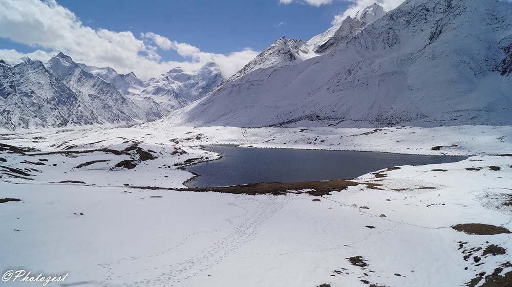 lake in zanskar valley
