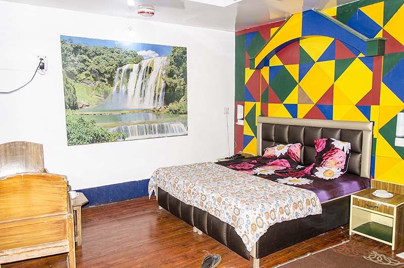 hotel mayur lansdowne