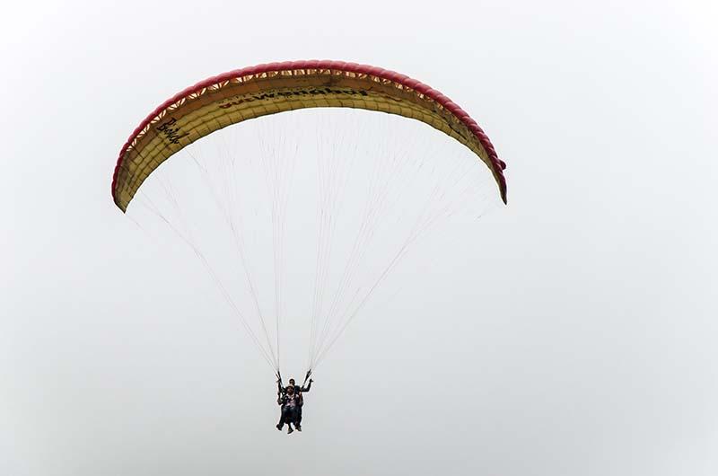 paragliding at rohtang