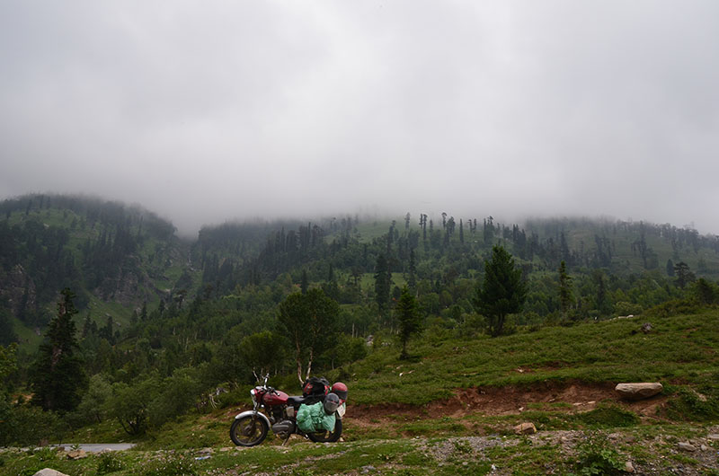 bike trip to tirthan valley