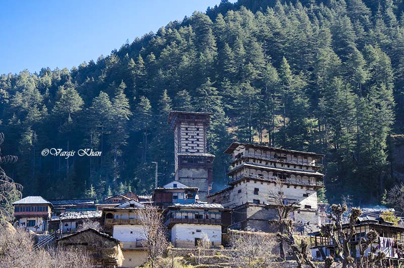chehni kothi in tirthan valley