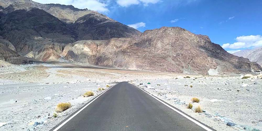 Nubra Valley to Pangong Lake via Shyok Road