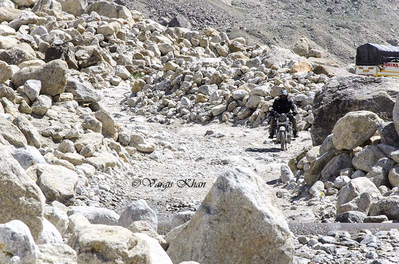 how to reach spiti valley from manali