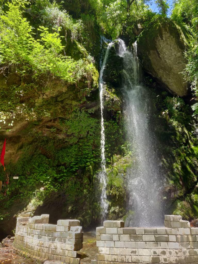 jibhi waterfall