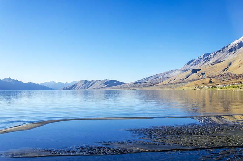ladakh itinerary by flight
