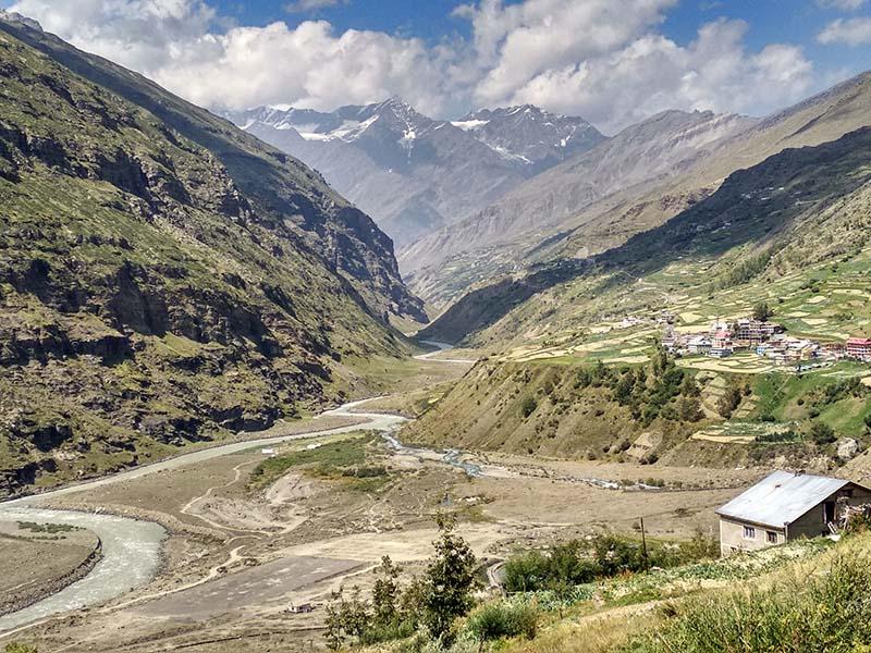 trekking in parvati valley
