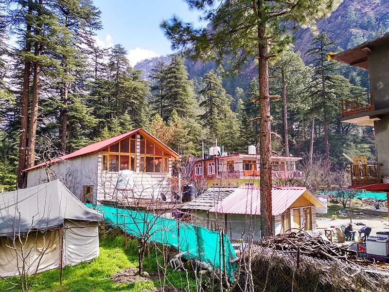 hotels in kasol