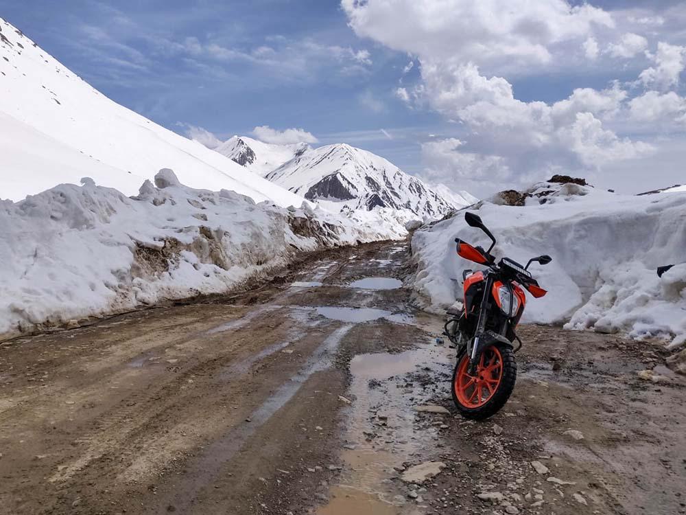 kashmir bike trip