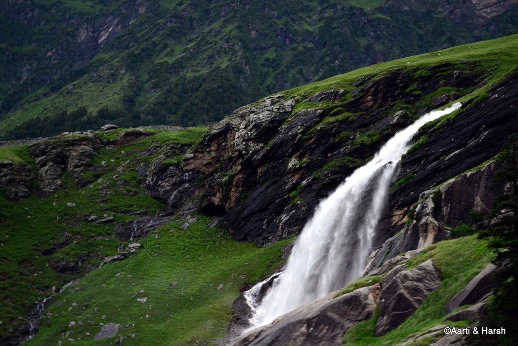 waterfall near Rohtang