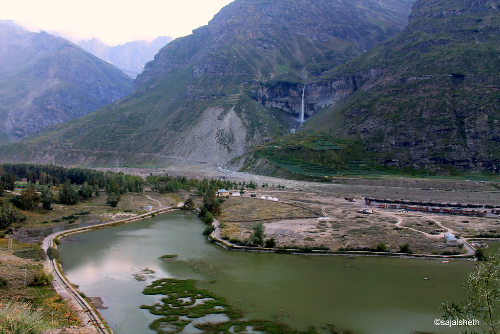 sissu lake and waterfall