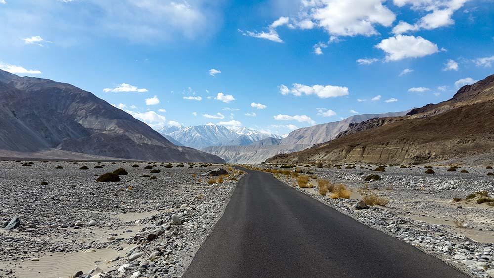 leh ladakh bike trip from jammu