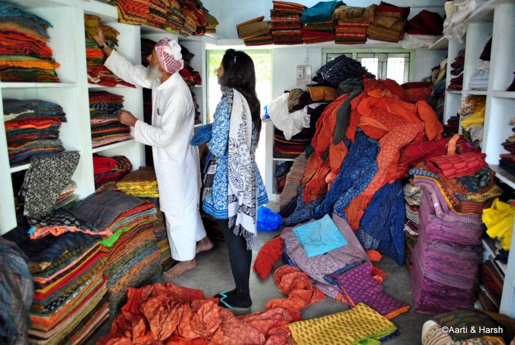 artisans at Ajrakhpur