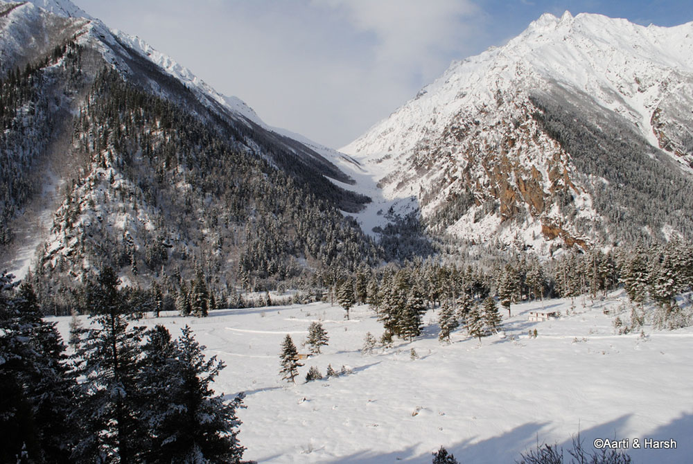 sangla valley in winters