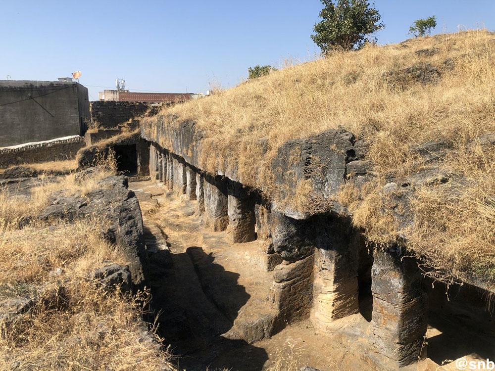 Baba Pyara caves