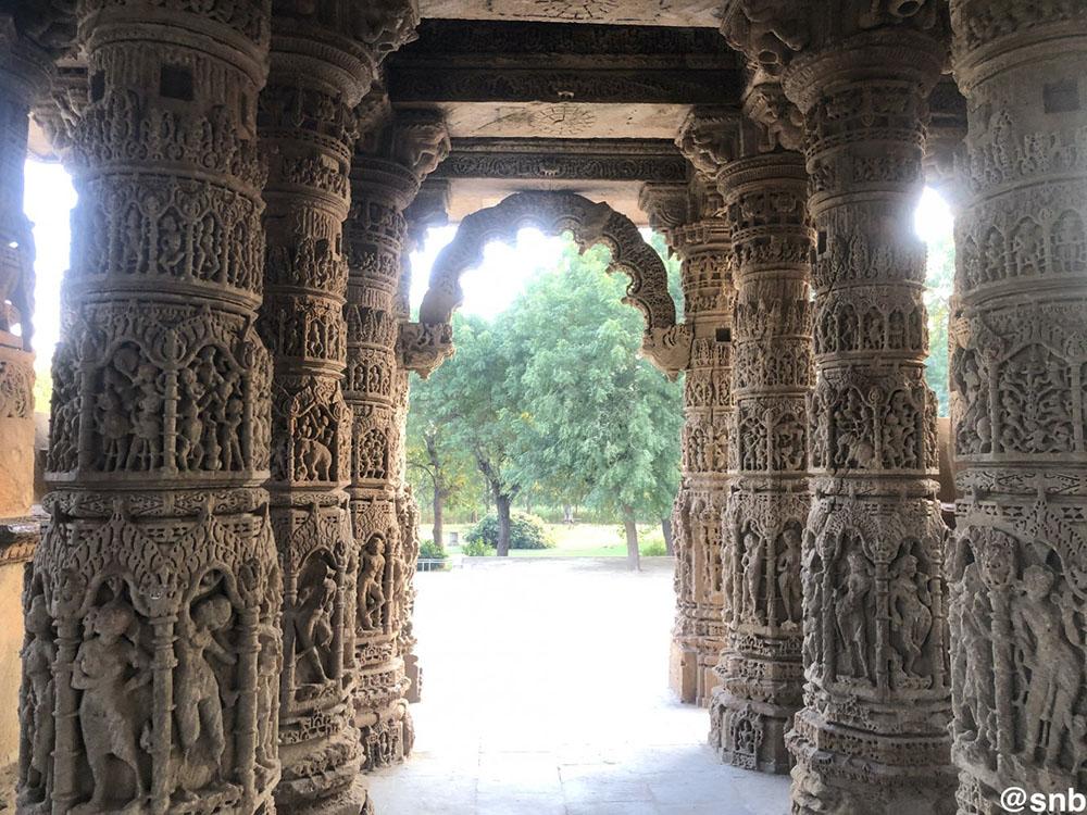 Carved pillars of Sabhamandapa
