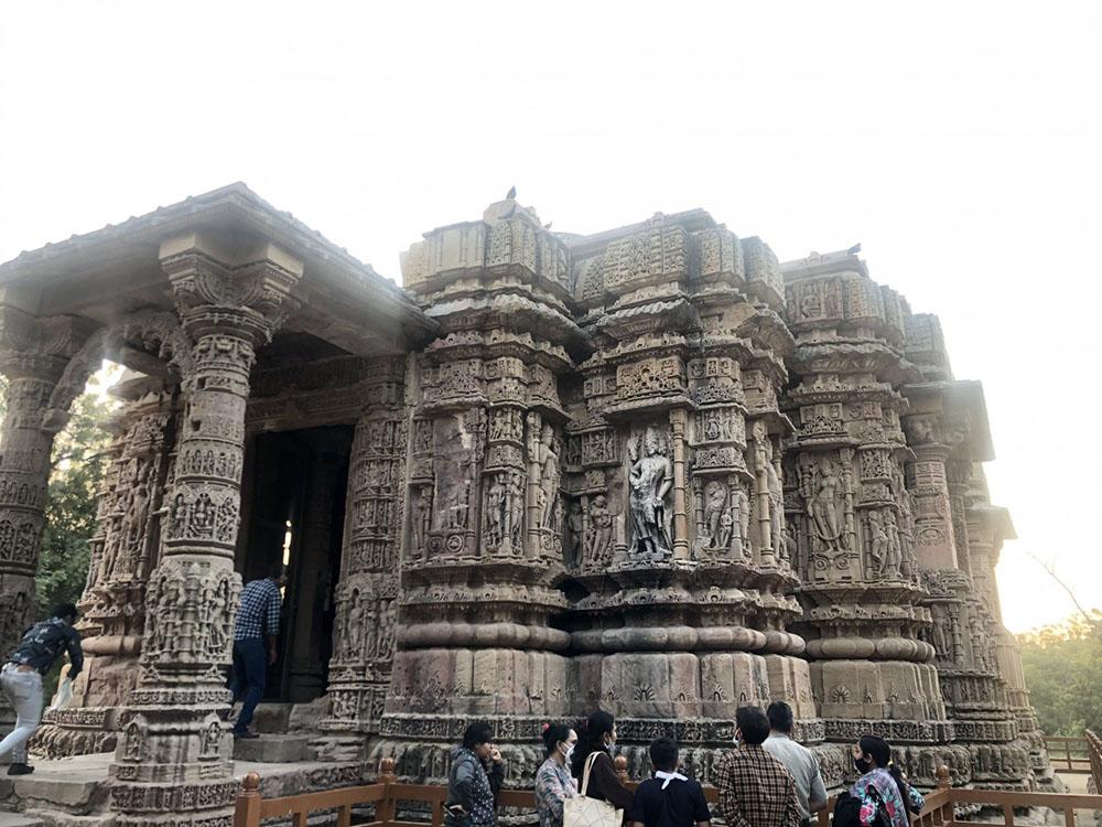 Entrance of Gudhamandapa